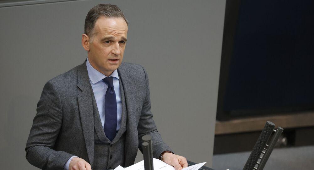 Minister spraw zagranicznych Niemiec Heiko Maas przemawia na posiedzeniu w Berlinie