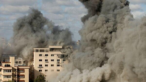 Atak powietrzny Izraela na Gazę - Sputnik Polska