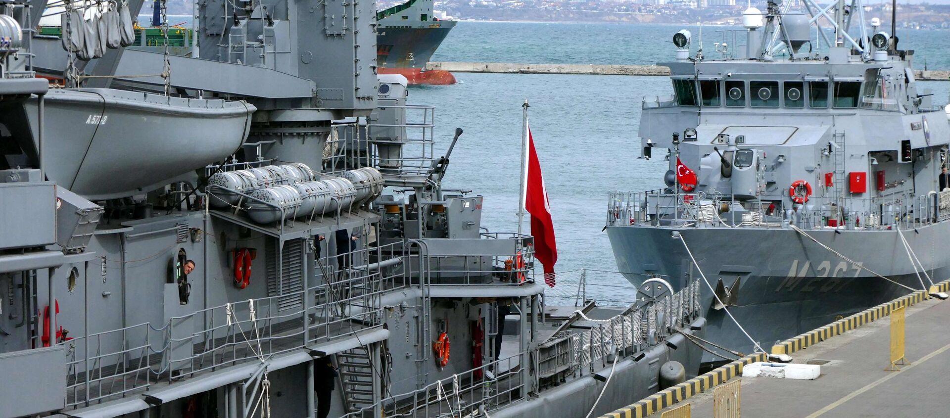 Turecki flagowy okręt szkoleniowy A577 TCG Sokullu Mehmet Pasa w porcie w Odessie - Sputnik Polska, 1920, 21.05.2021