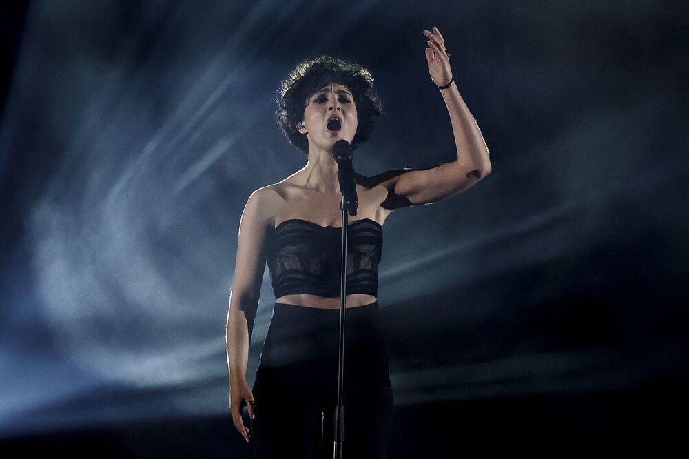 Barbara Pravi z Francji podczas finału 65. Konkursu Piosenki Eurowizji w Rotterdamie