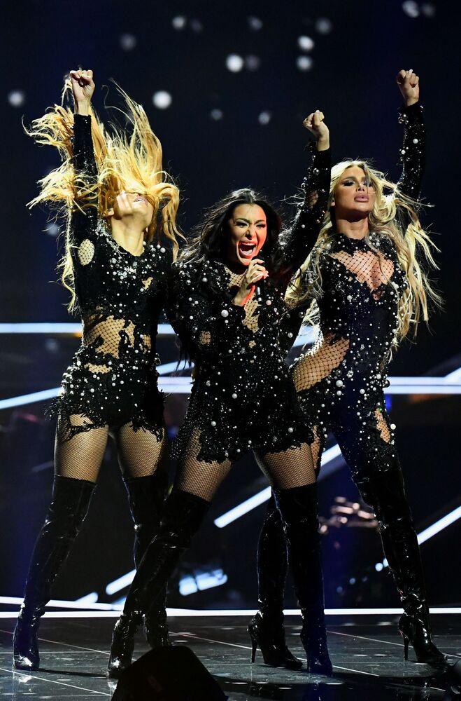 Zespół Hurricane z Serbii podczas finału 65. Konkursu Piosenki Eurowizji w Rotterdamie