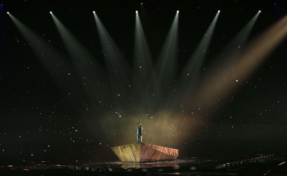 VICTORIA z Bułgarii podczas finału 65. Konkursu Piosenki Eurowizji w Rotterdamie