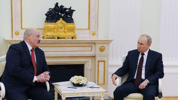 Prezydent Rosji Władimir Putin i prezydent Białorusi Alaksandr Łukaszenka - Sputnik Polska