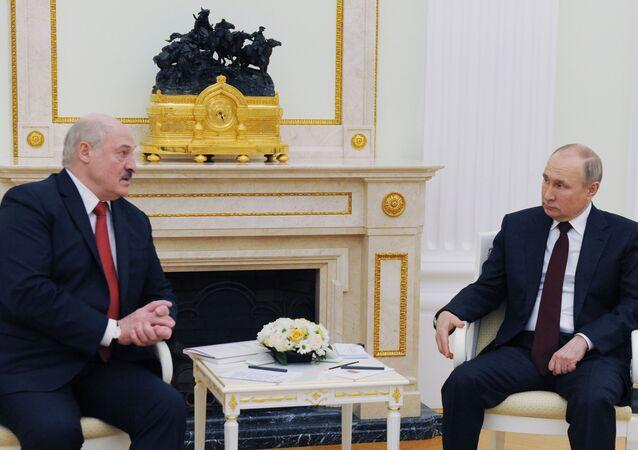 Prezydent Rosji Władimir Putin i prezydent Białorusi Alaksandr Łukaszenka