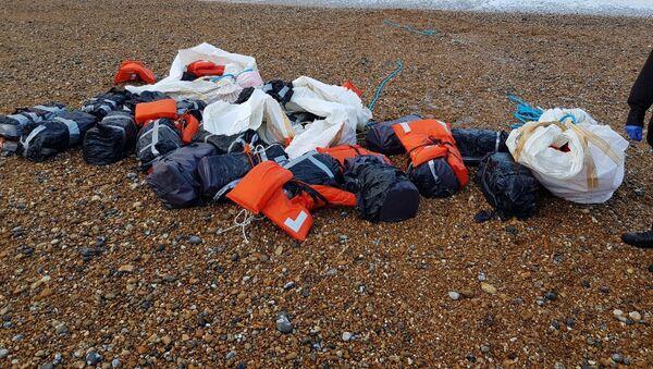 Kokaina, którą morze wyrzuciło na wybrzeżu Sussex w Anglii - Sputnik Polska