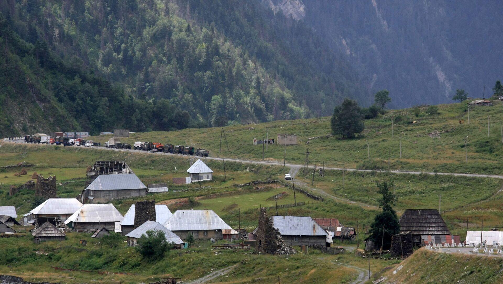 Droga w strefie konfliktu między Gruzja a Osetią Południową  - Sputnik Polska, 1920, 27.05.2021