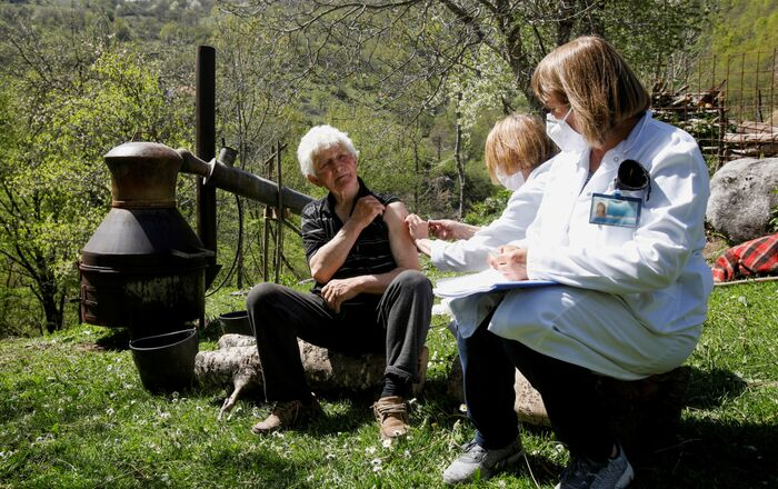 Punkt szczepień na wsi Ljevista w Czarnogórze