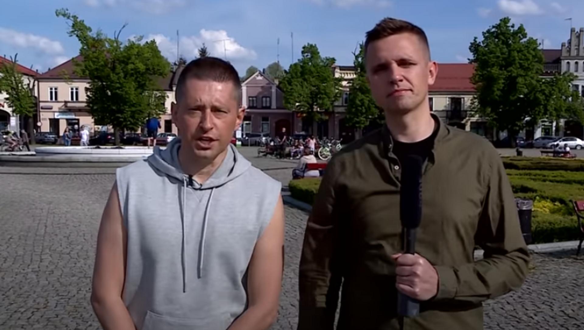 Para gejów-youtuberów Jakub i Dawid  - Sputnik Polska, 1920, 27.05.2021