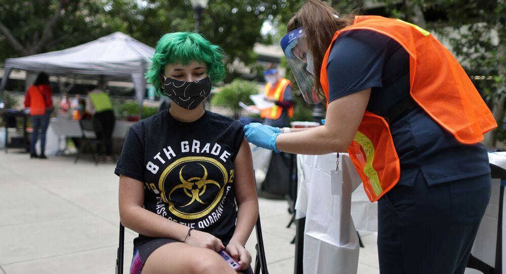 Szczepienia przeciwko COVID-19 w Kalifornii.
