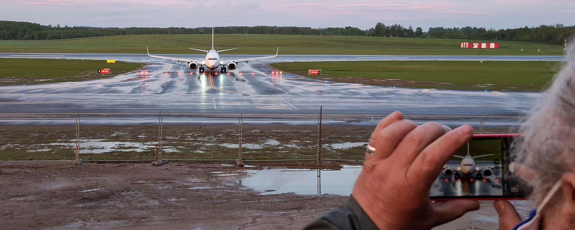 Samolot linii lotniczej Ryanair na lotnisku w Wilnie - Sputnik Polska, 1920, 25.06.2021