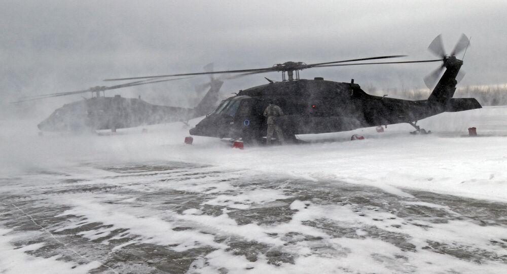Śmigłowce UH-60 Gwardii Narodowej Alaski.