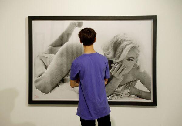 """Wystawa fotograficzna """"Boska Marilyn"""" w Paryżu  - Sputnik Polska"""