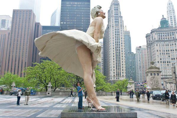 Rzeźba Marilyn Monroe w Chicago - Sputnik Polska