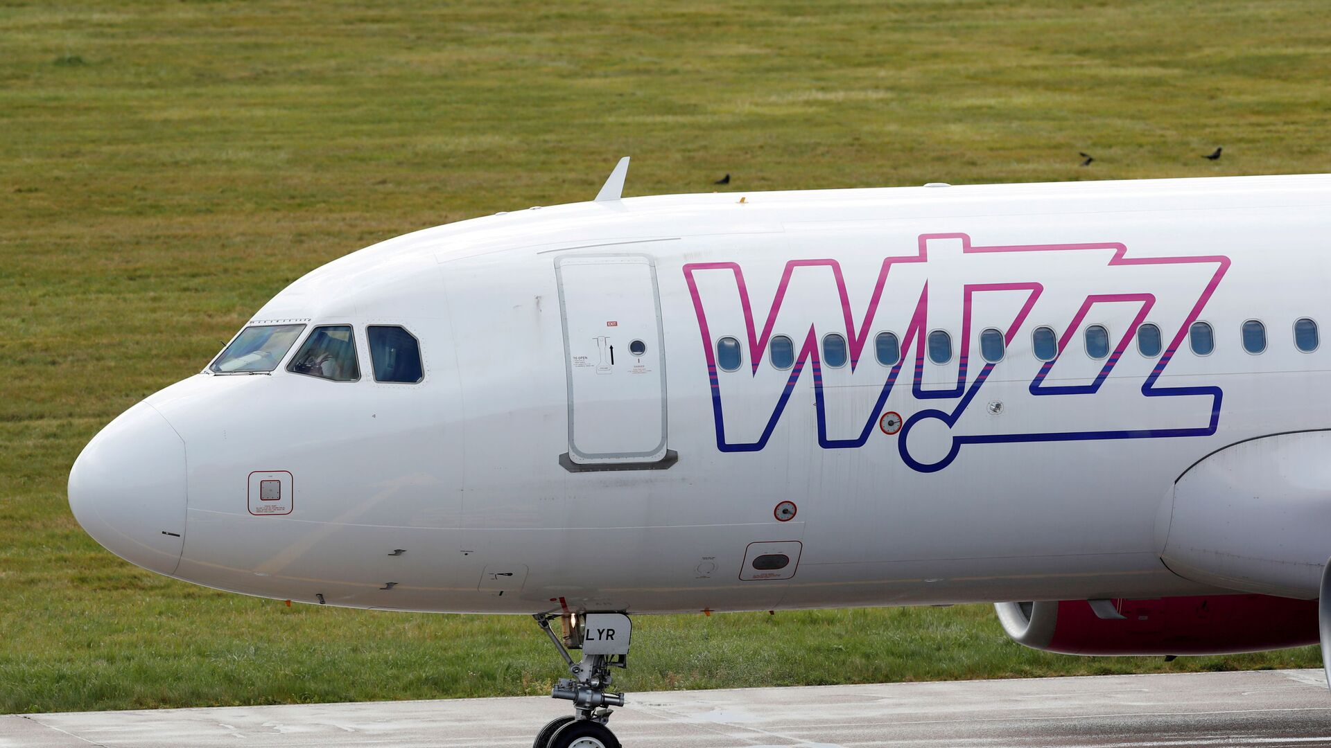 Samolot linii lotniczej Wizz Air - Sputnik Polska, 1920, 02.06.2021