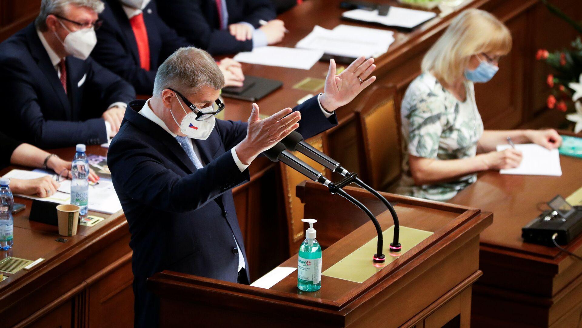 Premier Czech Andrej Babiš przemawia na posiedzeniu parlamentu w Pradze - Sputnik Polska, 1920, 04.06.2021