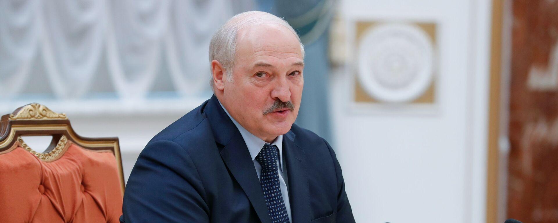 Prezydenta Białorusi Alaksandr Łukaszenka podczas spotkania w Mińsku - Sputnik Polska, 1920, 04.06.2021