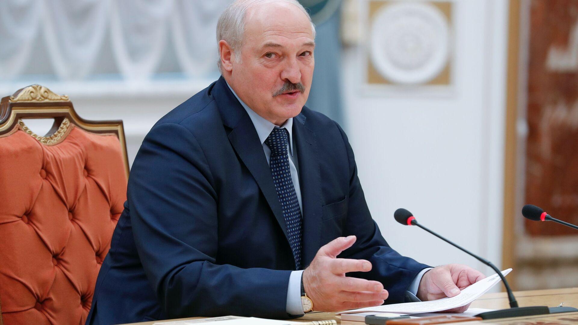 Prezydenta Białorusi Alaksandr Łukaszenka podczas spotkania w Mińsku - Sputnik Polska, 1920, 27.07.2021