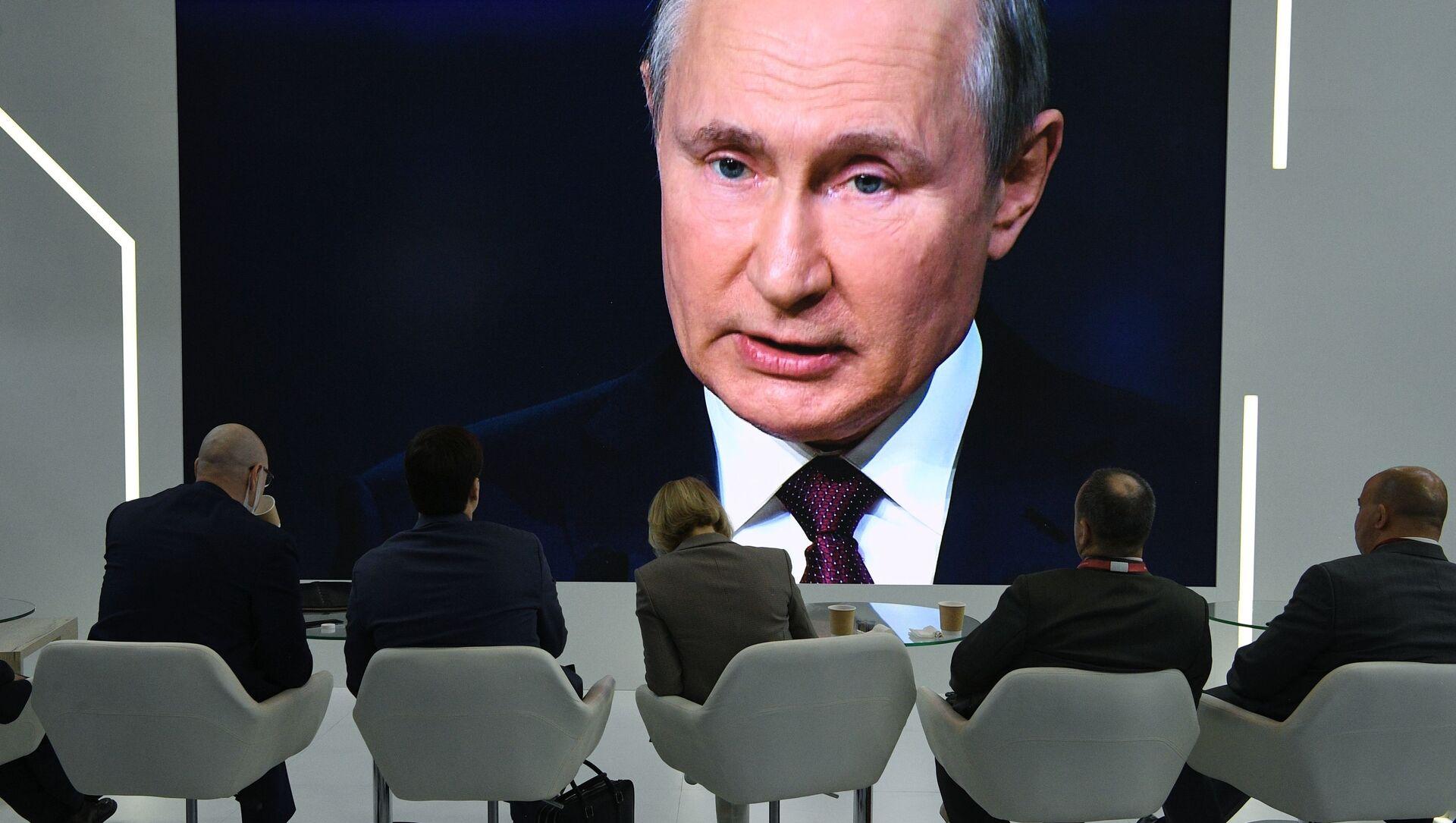 Władimir Putin na PMFE - Sputnik Polska, 1920, 04.06.2021