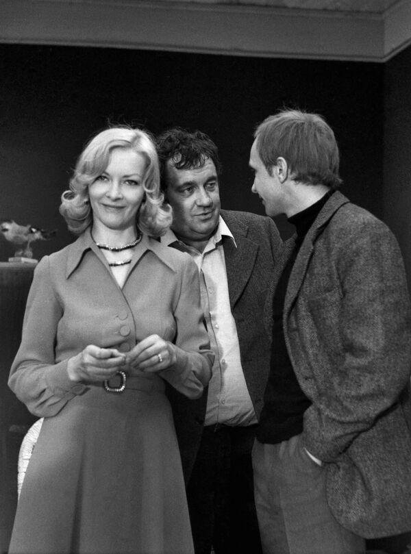 Barbara Brylska w filmie Ironia losu (w Polsce film rozpowszechniany pod tytułem Szczęśliwego Nowego Roku) jako Nadia - Sputnik Polska
