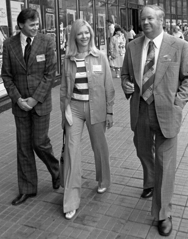 Reżyser Władimir Naumow, Barbara Brylska i Artysta Ludowy ZSRR Jurij Ozerow, 1977 rok  - Sputnik Polska