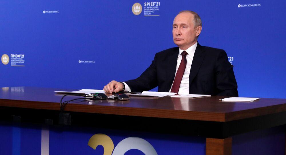 Prezydent Rosji Władimir Putin na Forum Ekonomicznym w Petersburgu.