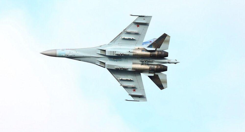 Rosyjski myśliwiec Su-35S.