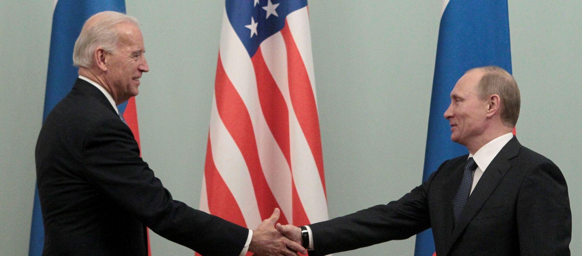 Joe Biden i Władimir Putin, 10 marca 2011 rok - Sputnik Polska, 1920, 11.06.2021