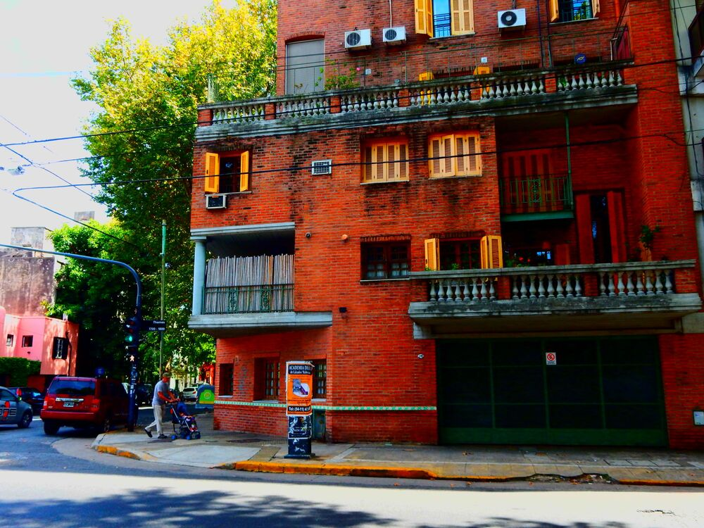 Ulica Calle Thames w Buenos Aires