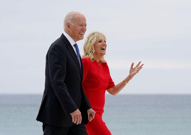 Prezydent USA Joe Biden z żoną Jill na szczycie G7 w Wielkiej Brytanii.