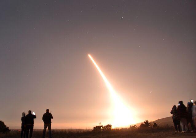 Testy amerykańskiego międzykontynentalnego pocisku balistycznego Minuteman III.