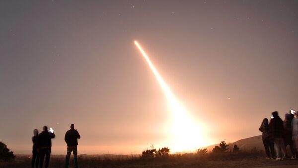 Testy amerykańskiego międzykontynentalnego pocisku balistycznego Minuteman III. - Sputnik Polska