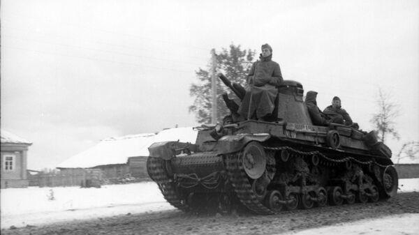 Czechosłowacki czołg LT vz.35 podczas operacji Barbarossa. - Sputnik Polska