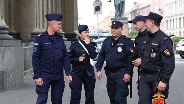Polscy policjanci w Petersburgu - Sputnik Polska