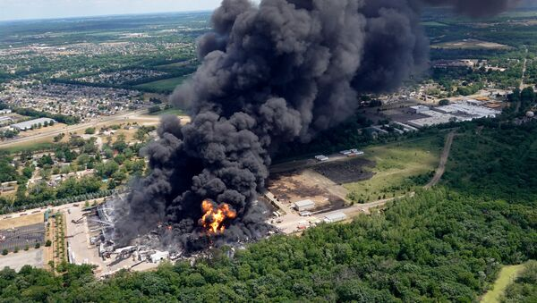 Pożar w zakładach chemicznych Chemtool w Rockton, Illinois - Sputnik Polska
