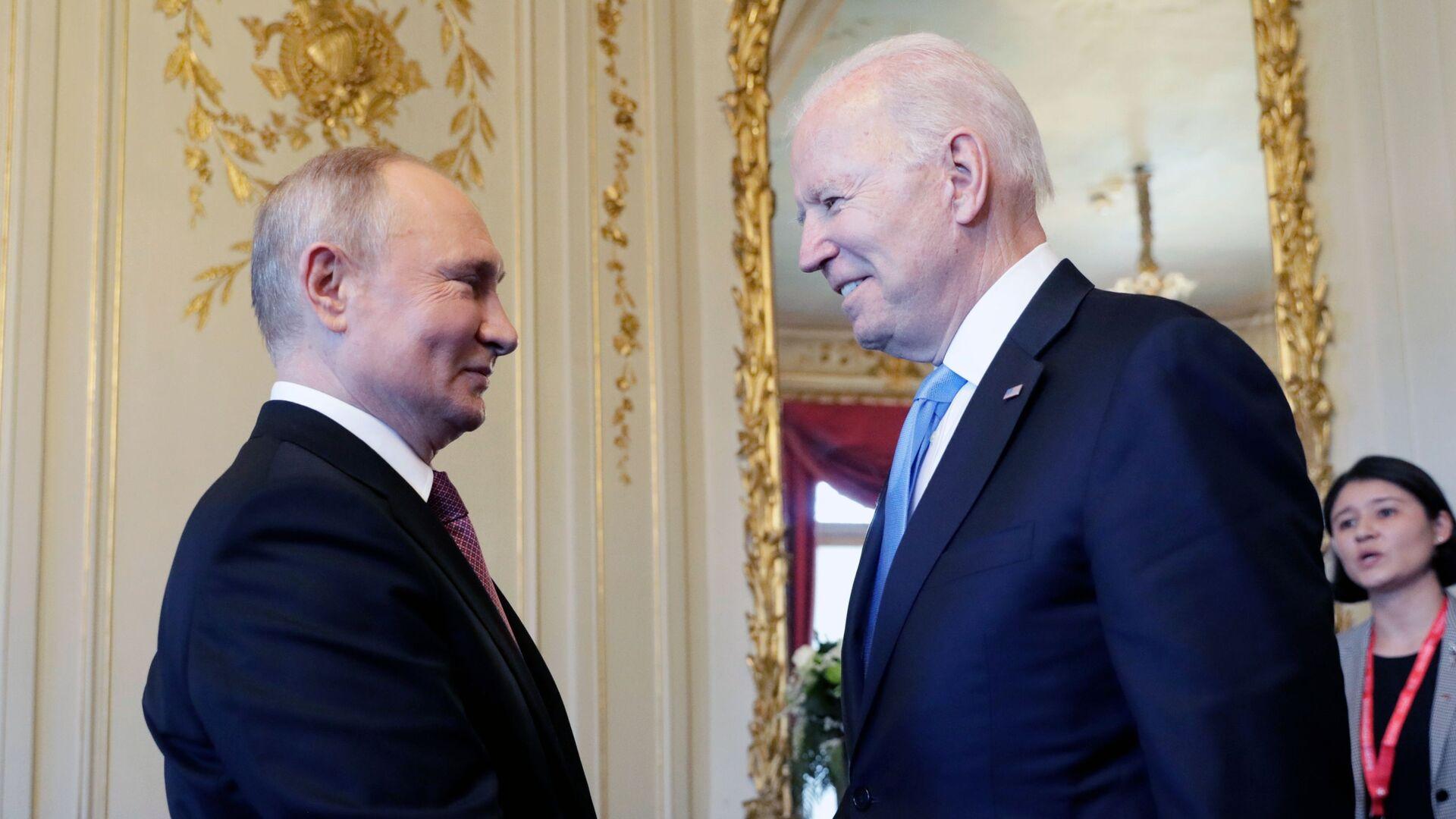 Władimir Putin i Joe Biden w Genewie przed rozpoczęciem szczytu USA-Rosja - Sputnik Polska, 1920, 29.06.2021