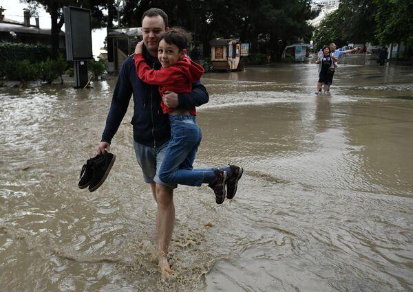 Powódź w Jałcie - Sputnik Polska