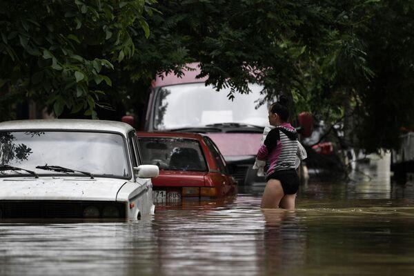Miasto Kercz zatopione z powodu ulewnych deszczy - Sputnik Polska