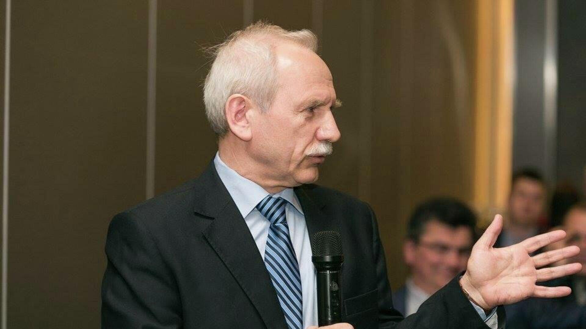 Walerij Karbalewicz, białoruski politolog, historyk i publicysta - Sputnik Polska, 1920, 25.06.2021