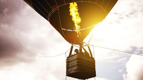 Корзина воздушного шара с людьми - Sputnik Polska