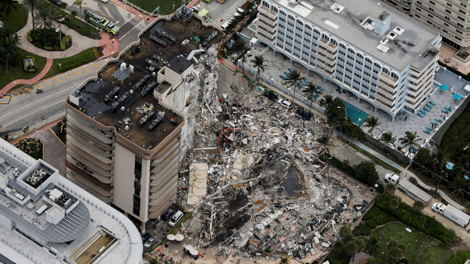 Katastrofa budowlana 12-piętrowego apartamentowca w Miami - Sputnik Polska, 1920, 28.06.2021