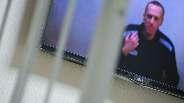 Алексей Навальный по видеосвязи участвует в заседании Петушинского районного суда  - Sputnik Polska
