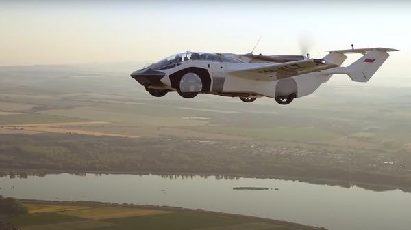 Летающий автомобиль Aircar совершил первый полет на 80 километров из словацкого города Нитра в Братиславу - Sputnik Polska
