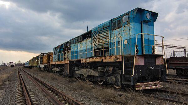 Поврежденный в ходе боевых действий экспонат музея железной дороги на станции Ясиноватая в Донецкой области - Sputnik Polska