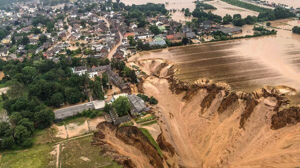 Площадь после наводнения в Эрфтштадт-Блессеме, Германия - Sputnik Polska
