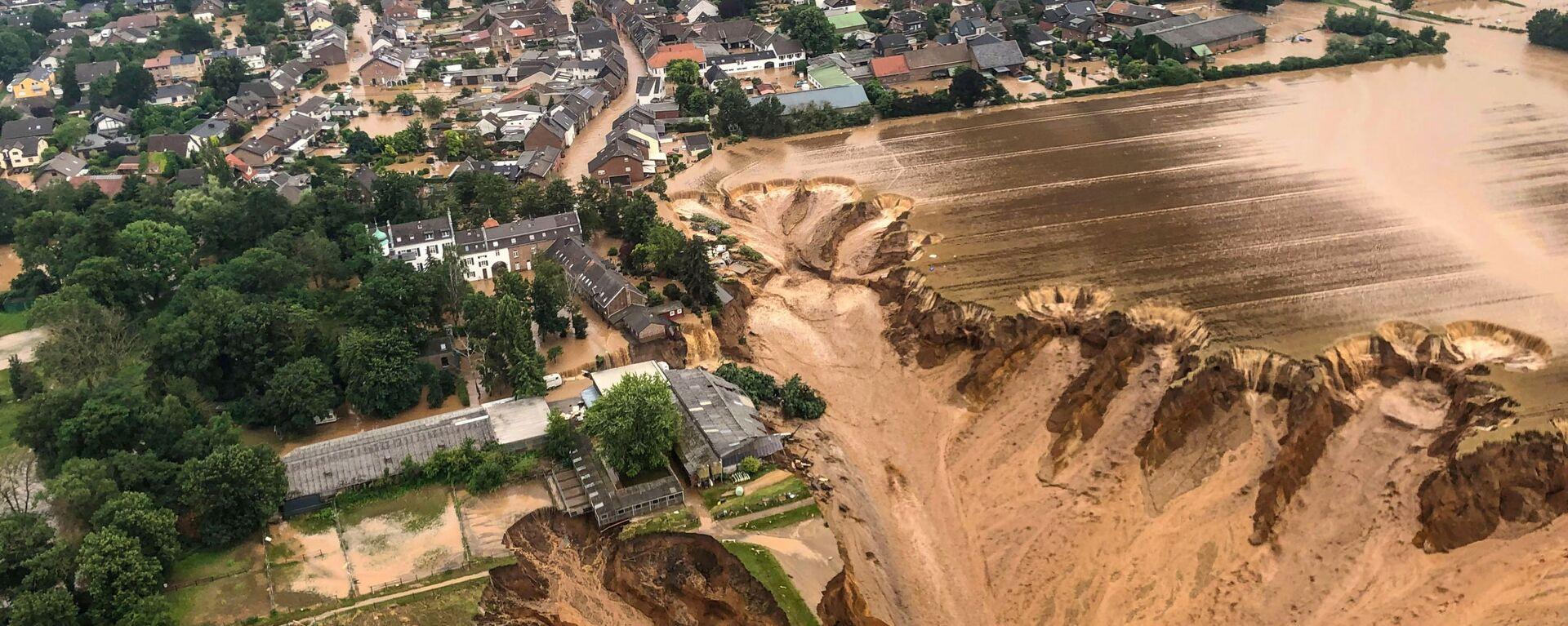Площадь после наводнения в Эрфтштадт-Блессеме, Германия - Sputnik Polska, 1920, 17.07.2021