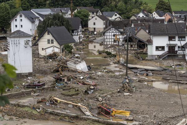 Domy na zalanym obszarze w Schuld w pobliżu Bad Neuenahr w zachodnich Niemczech, 15 lipca 2021 r. - Sputnik Polska