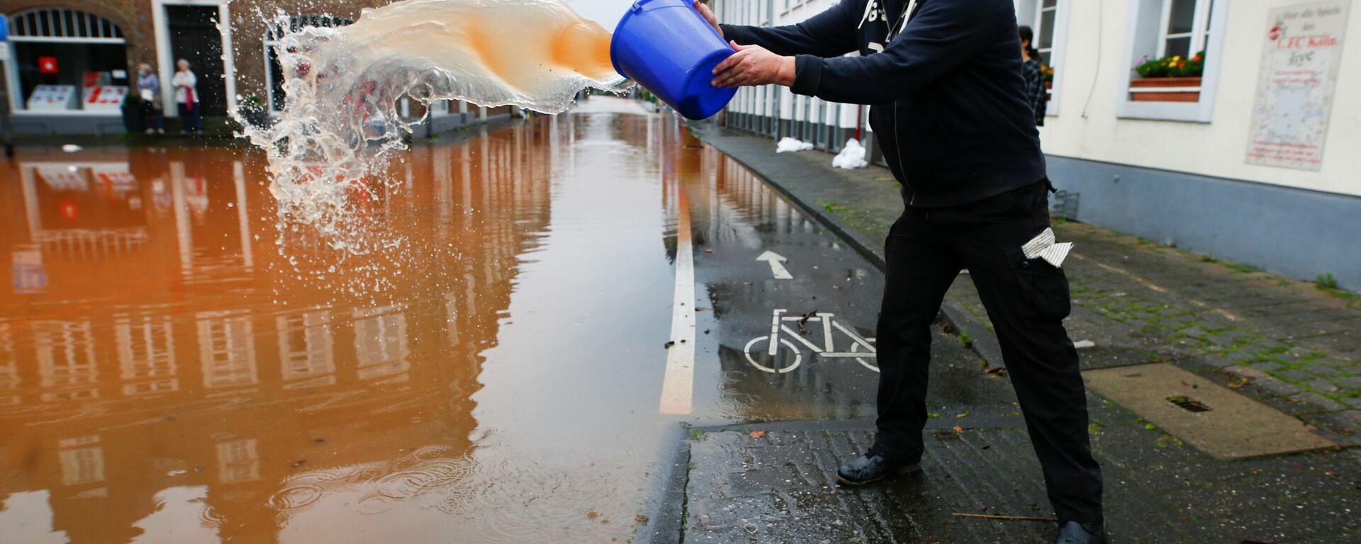 Последствия вызванного сильными дождями наводнения в Эрфтштадте, Германия - Sputnik Polska, 1920, 18.07.2021