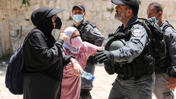 Полиция во время беспорядков в Иерусалиме  - Sputnik Polska
