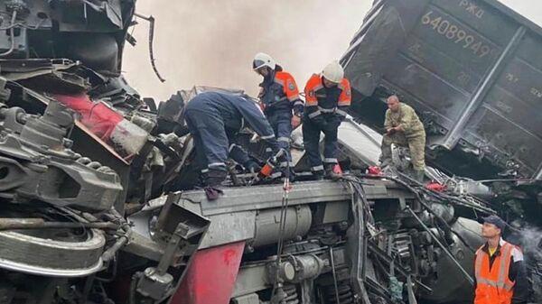 На месте столкновения грузовых поездов в Амурской области - Sputnik Polska