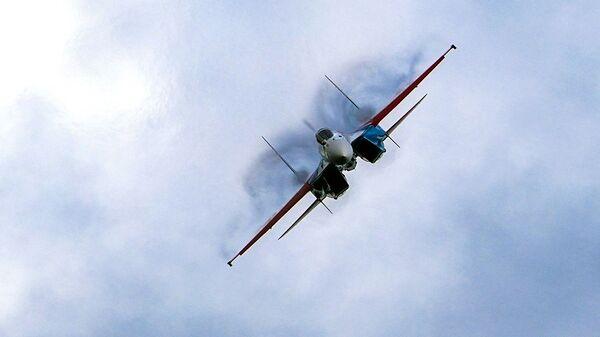 Истребитель Су-35 пилотажной группы Русские витязи  - Sputnik Polska